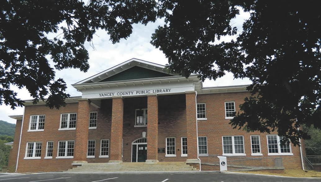 image of the front of Yancey County Public LIbrary
